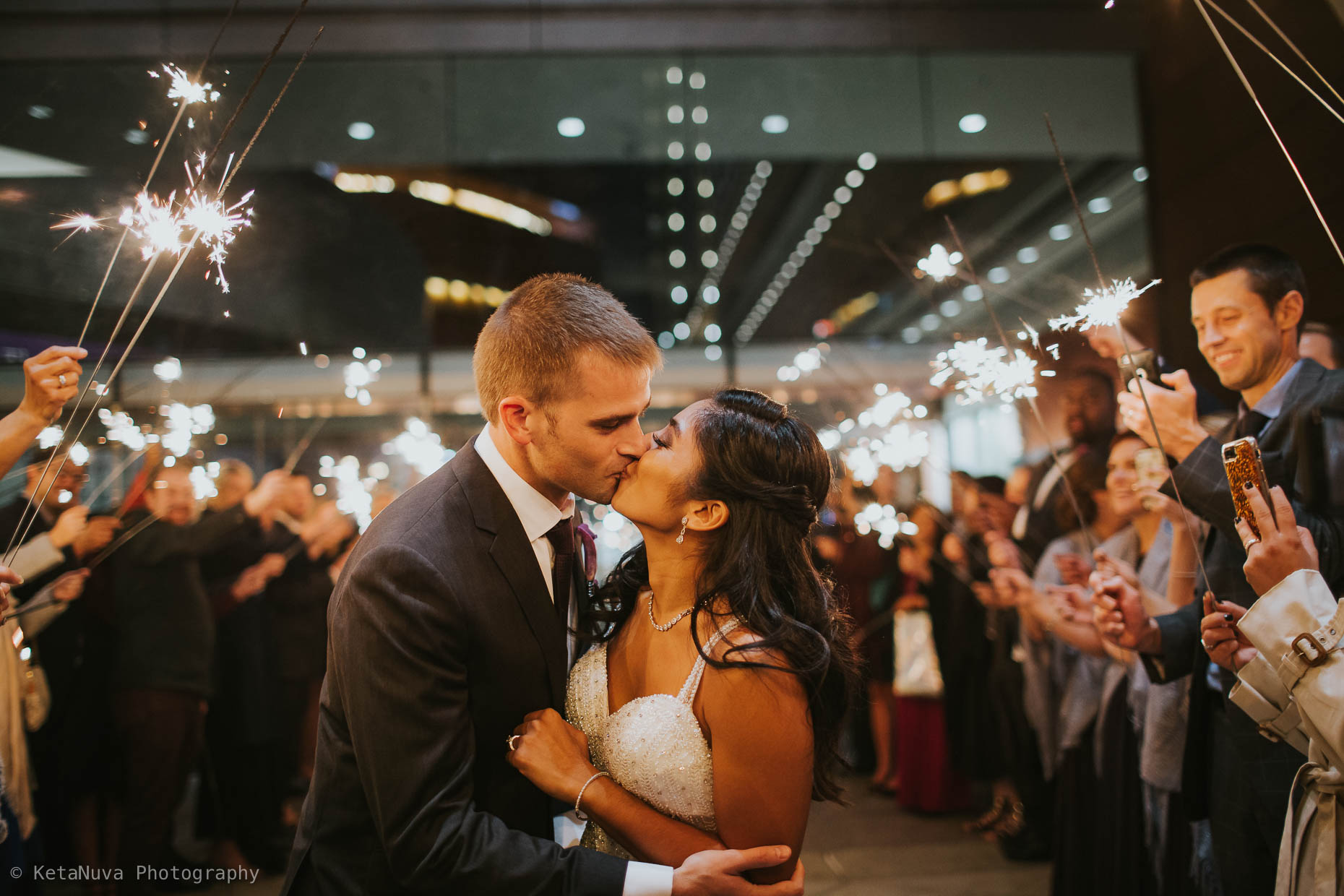 Kimmel Center Wedding Photos – Beautiful Philly Wedding Kimmel Center Philadelphia Wedding Philly Wedding Photographers Justine Eric Wedd 2016 11 22552179 35